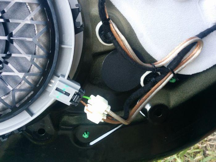208 5 door rear door speaker wires peugeot 208 forums rh 208ownersclub co uk peugeot stereo wiring colours peugeot 206 speaker wiring colours