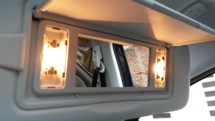 vanity mirror lights peugeot 208 forums. Black Bedroom Furniture Sets. Home Design Ideas