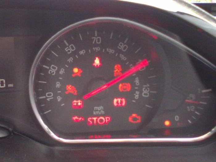 Oil Warning Light Lack Off Peugeot 208 Forums Page 1